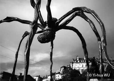 """Maman"", Louise Bourgeois, Place Neuve, Genève"
